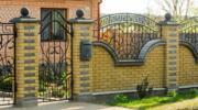 Гарний паркан з цегли: 20 популярних рішень