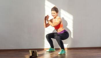 Ефективний комплекс вправ для ніг і сідниць. М'язи будуть горіти