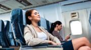 Як поводити себе в літаку: правила етикету