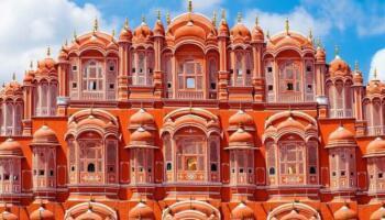 Палац Вітрів в Індії: гарем махараджи, в якому 950 вікон і немає жодних сходів