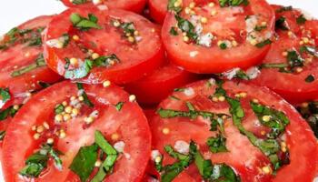 Мариновані помідори. Смачна закуска за 10 хвилин